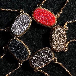 Jewelry - FLASH SALE Cute Oval Druzy Necklace